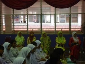 Barisan guru perempuan